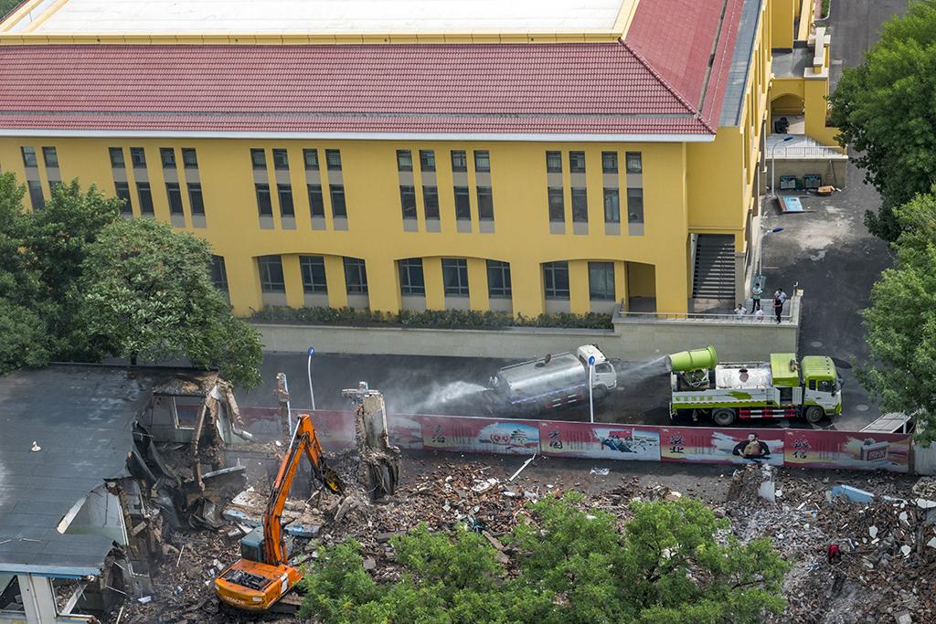 一个市级小学的诞生8-4 新教学楼.jpg